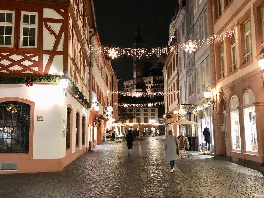 Presse: Die Stadt erstrahlt in festlichem Stadt – Weihnachtsbeleuchtung in der Mainzer Innenstadt